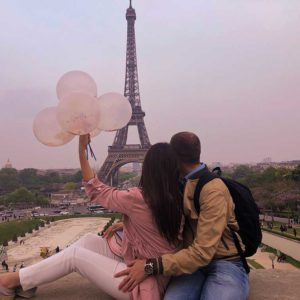 zaljubljeni par u parizu